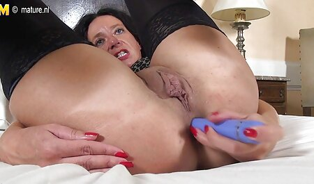 Three hot xxx chicks at the same time suck the penis